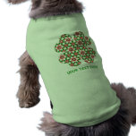 Diseño bonito del trébol y de los corazones para l camisa de perrito