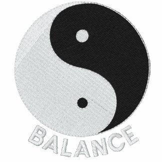 Diseño bordado Yang de Yin en el camisetas, chaque