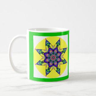 Diseño caleidoscópico 4 de la mandala de la acuare taza de café