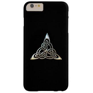 Diseño céltico del nudo de los espirales negros de funda de iPhone 6 plus barely there