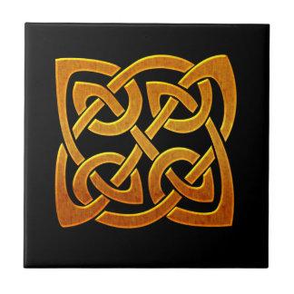 Diseño céltico irlandés de oro céltico D2 Azulejo Cuadrado Pequeño