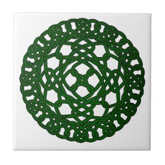 Diseño céltico verde del nudo azulejo cuadrado pequeño