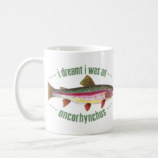 Diseño chistoso de la trucha arco iris taza de café