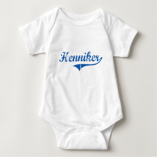 Diseño clásico de Henniker New Hampshire Tee Shirt