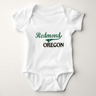 Diseño clásico de Redmond Oregon T-shirts