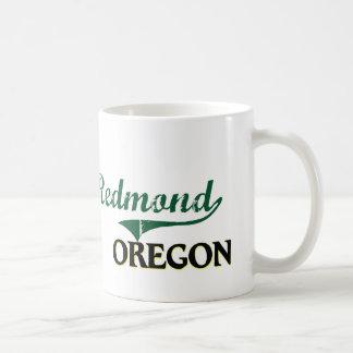 Diseño clásico de Redmond Oregon Taza Básica Blanca