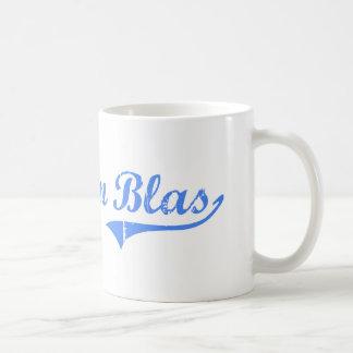 Diseño clásico de San Blas la Florida del cabo Taza Básica Blanca