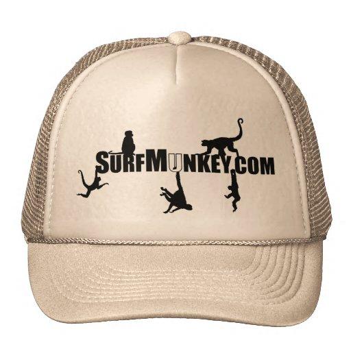 Diseño colgante de Munkeys en el gorra del camione