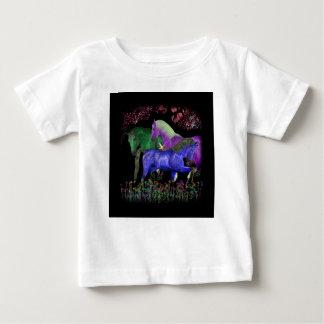 Diseño coloreado fantástico del caballo, parte playera de bebé