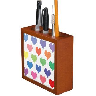 Diseño colorido de los corazones organizador de escritorio