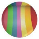 Diseño colorido del arco iris platos para fiestas