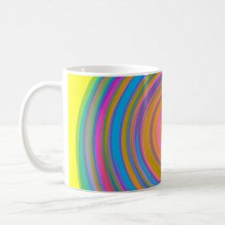 Diseño colorido del remolino taza clásica
