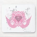 Diseño con alas rosa de Supergirl Tapetes De Raton