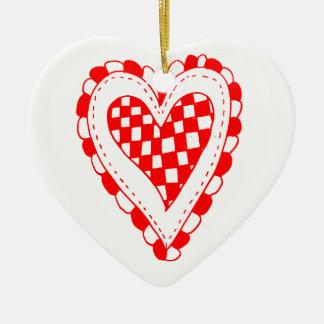 Diseño con volantes de los bordes del corazón rojo adorno de reyes