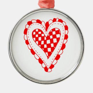 Diseño con volantes de los bordes del corazón rojo ornamente de reyes