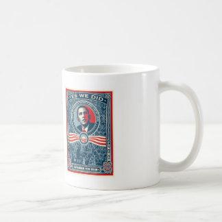 Diseño conmemorativo de la victoria 2008 de Obama Tazas De Café