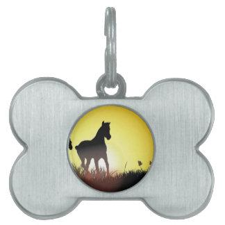 Diseño corriente de los caballos placas mascota