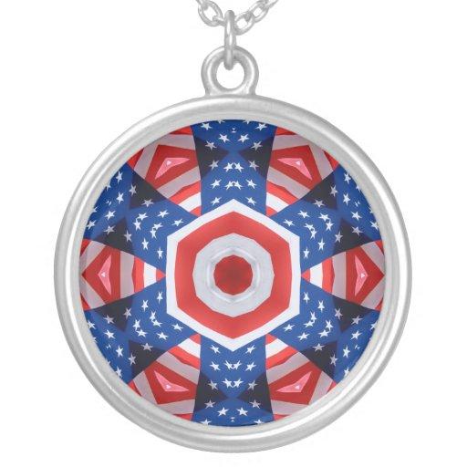 Diseño cruzado abstracto del rojo, blanco y azul collares