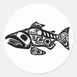 Diseño de color salmón del nativo americano pegatina redonda