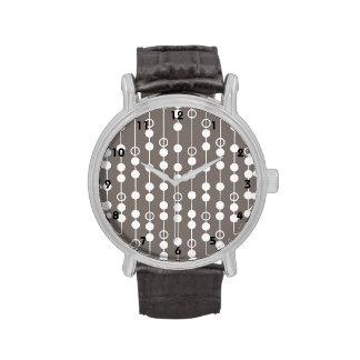 Diseño de color topo y blanco retro reloj