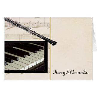 Diseño de encargo del oboe y del piano tarjeta de felicitación