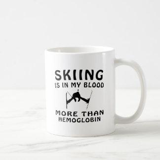 Diseño de esquí tazas de café