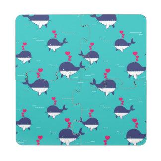 Diseño de la ballena azul con los corazones posavasos de puzzle