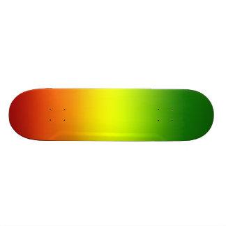 """Diseño de la bandera del arco iris del reggae patineta 7 1/8"""""""