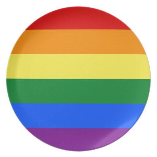 Diseño de la bandera del orgullo gay plato