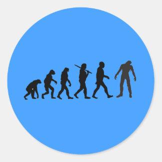 Diseño de la camiseta de la evolución del zombi pegatina redonda
