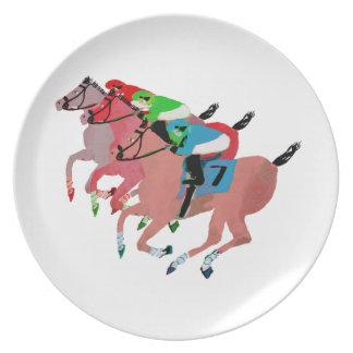 Diseño de la carrera de caballos del personalizar plato para fiesta