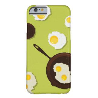 Diseño de la comida de la diversión de los huevos funda barely there iPhone 6