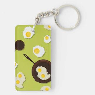 Diseño de la comida de la diversión de los huevos llavero rectangular acrílico a doble cara