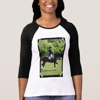 Diseño de la demostración del caballo del Dressage Camiseta