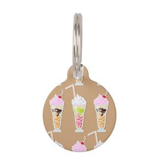Diseño de la diversión del batido de leche en identificador para mascotas