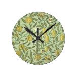 Diseño de la fruta de la granada de William Morris Relojes De Pared