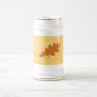 Diseño de la hoja del roble de Brown Jarra De Cerveza