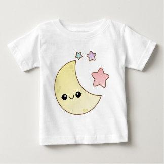 Diseño de la luna y de las estrellas de Kawaii Polera