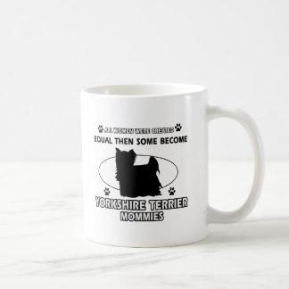 Diseño de la mamá de Yorkshire Terrier Taza Clásica
