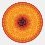 Diseño de la mandala de OM Etiqueta Redonda