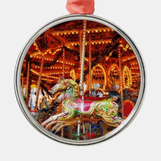 Diseño de la manguera del carrusel adorno navideño redondo de metal