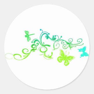 Diseño de la mariposa del vector pegatinas redondas