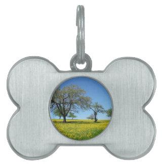 Diseño de la naturaleza del prado del árbol placa mascota