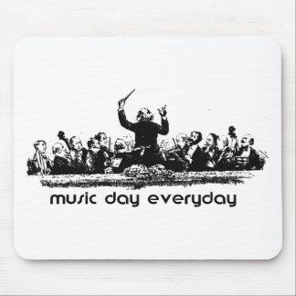 ¡Diseño de la orquesta para el día de la música! Alfombrillas De Ratones