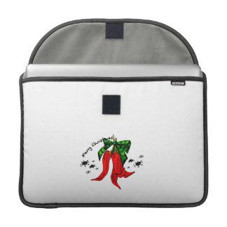 diseño de la pimienta roja de las Felices Navidad  Fundas Para Macbook Pro