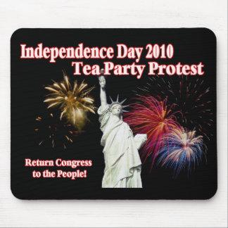 Diseño de la protesta de la fiesta del té del Día  Tapete De Ratón