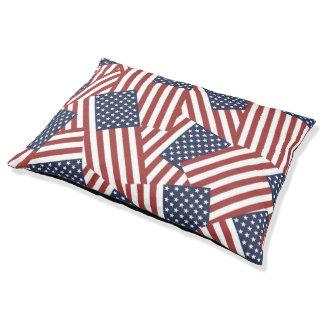 Diseño de las banderas americanas cama para perro grande