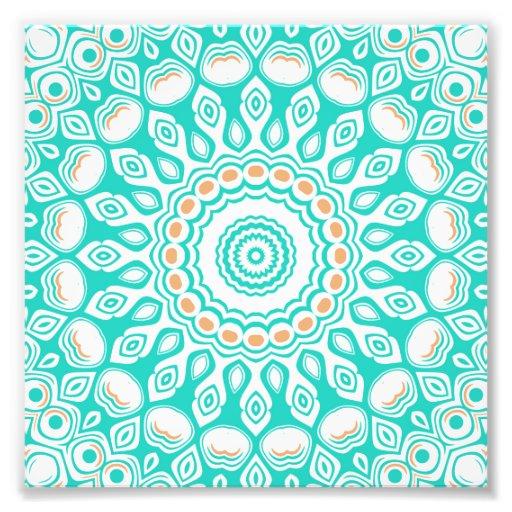 Diseño de las flores del caleidoscopio de la turqu foto