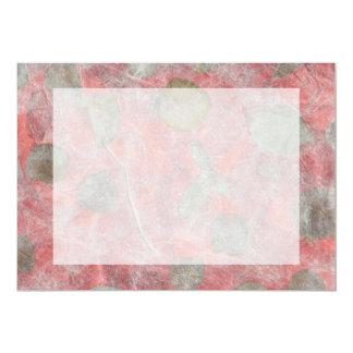 """Diseño de las hojas del rosa en papel seda rojo invitación 5"""" x 7"""""""