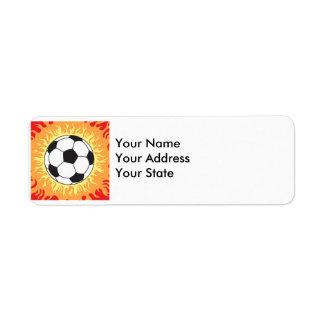 diseño de las llamas del balón de fútbol etiqueta de remite